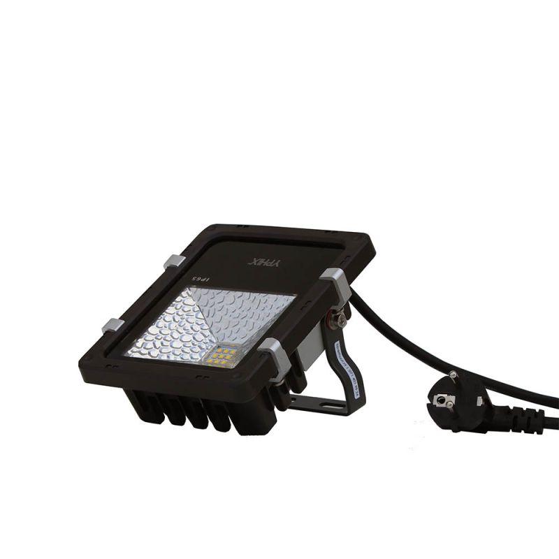 LED spot wit 800 Lumen